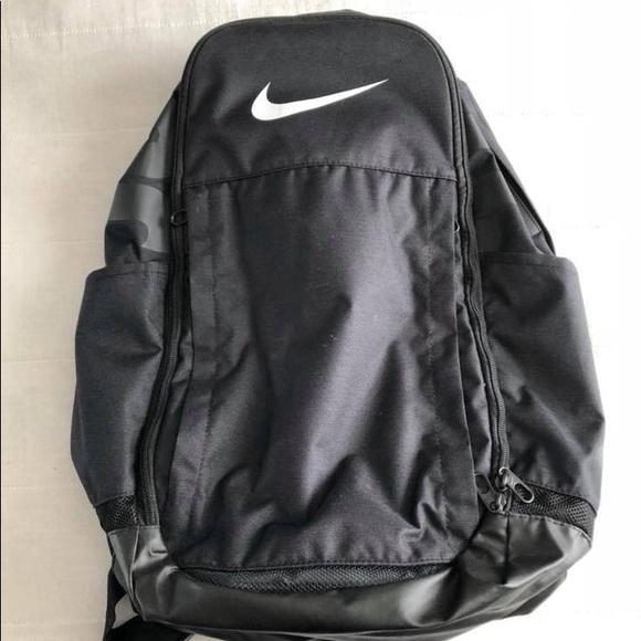 ab7765b6f8d Nike Basketball Bag. M 5a6f4056739d48e1d31d00bc